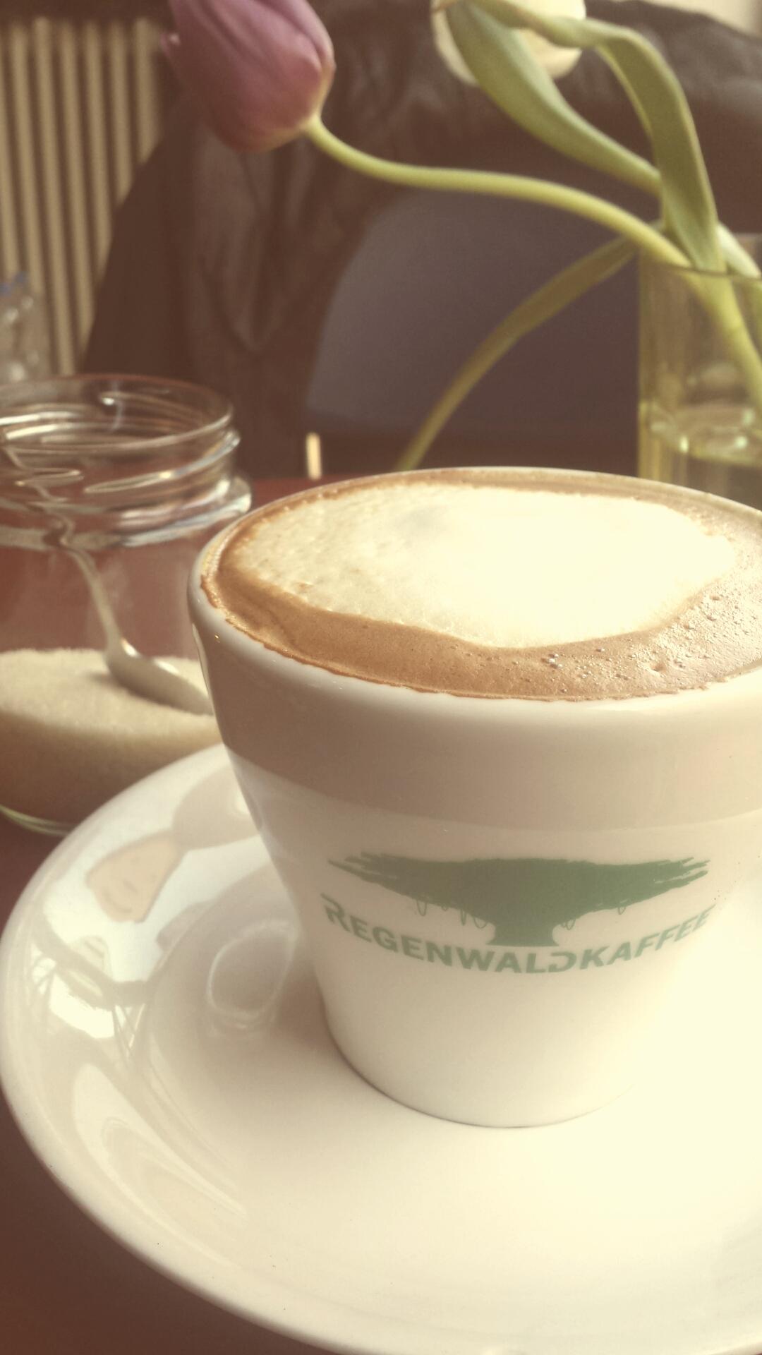 mit Bio Milch und Bio Kaffeebohne ohne Preisaufschlag